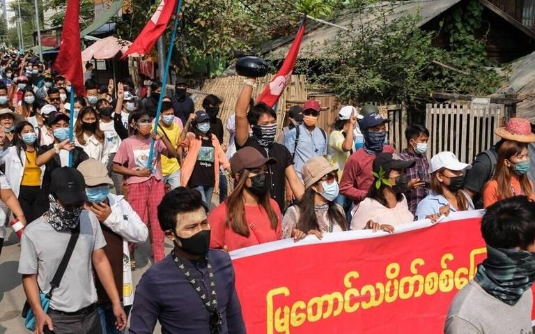 Reportan más de 80 muertos durante represión militar en Birmania