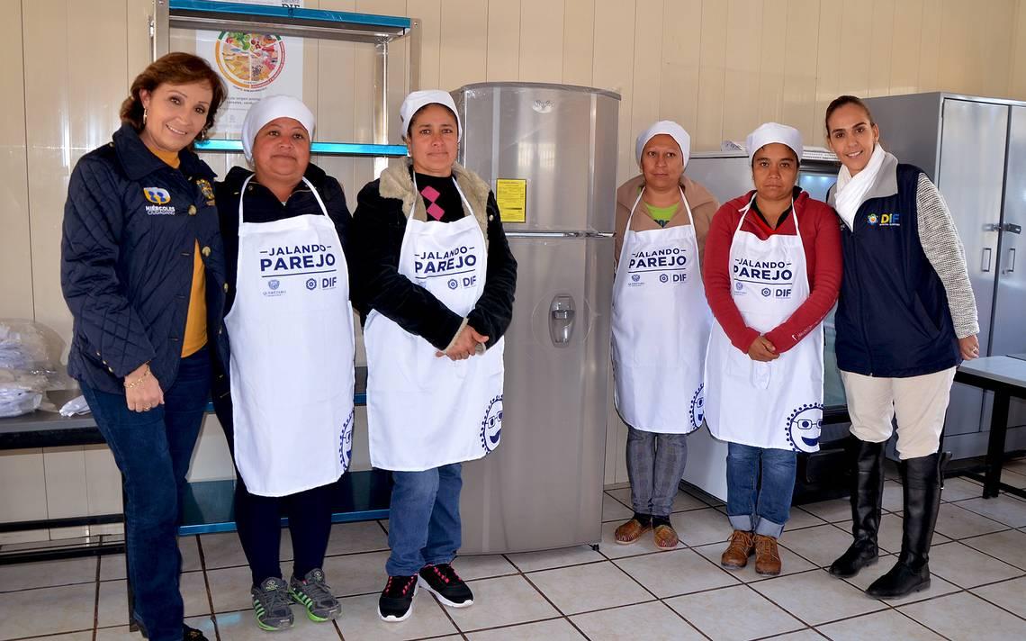 Dif qro equipar 75 aulas cocina diario de quer taro for Utensilios de cocina queretaro