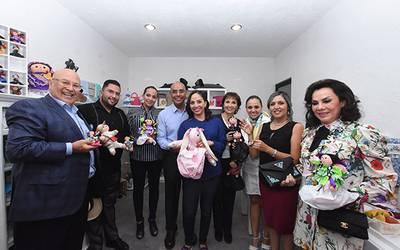 """79d6db28ada46 Inauguran Marcos y Tere tienda """"Manos Queretanas"""" - Diario de Querétaro"""